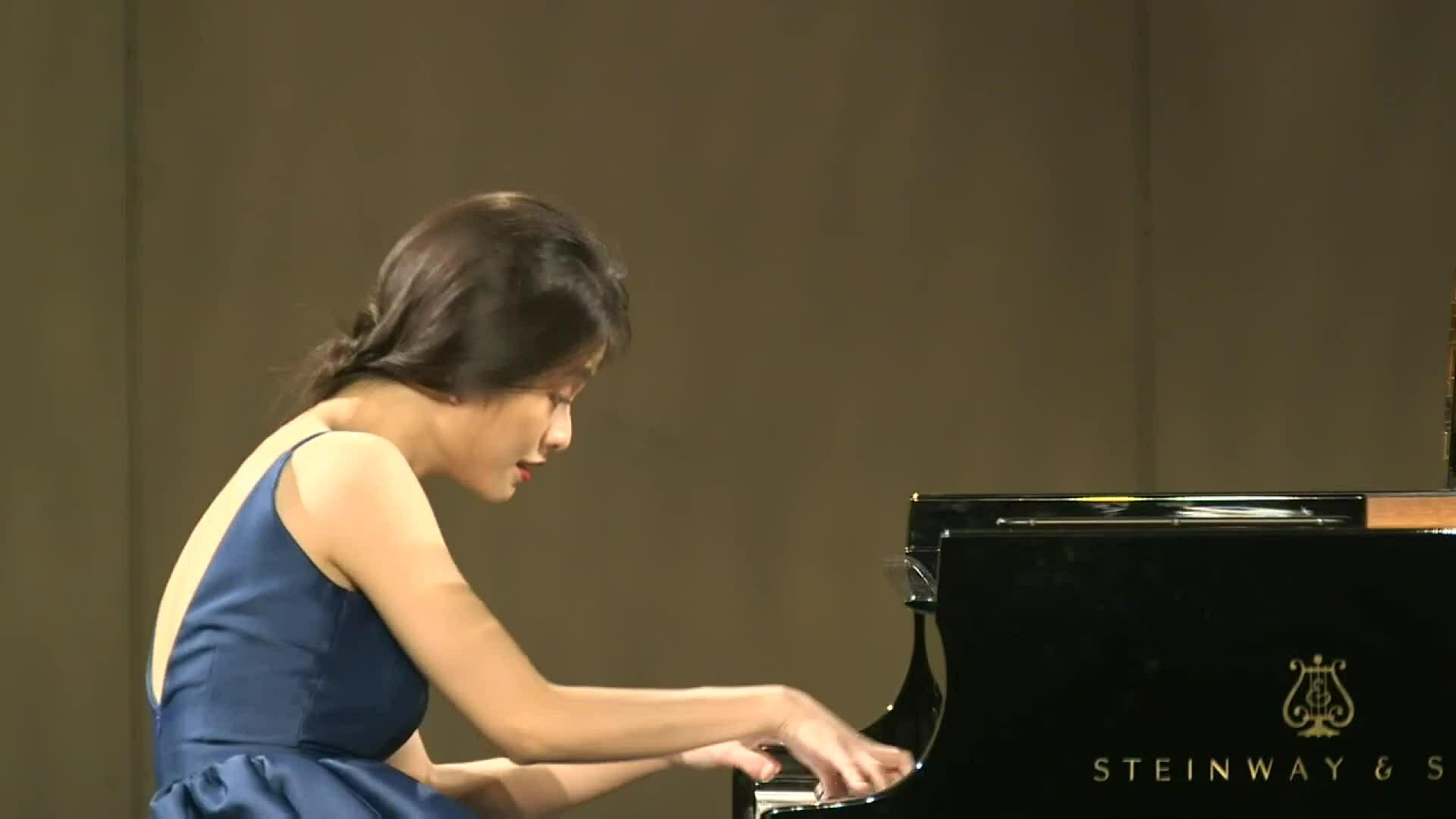 Nghệ sĩ trẻ diễn nhạc giao hưởng làm từ thiện