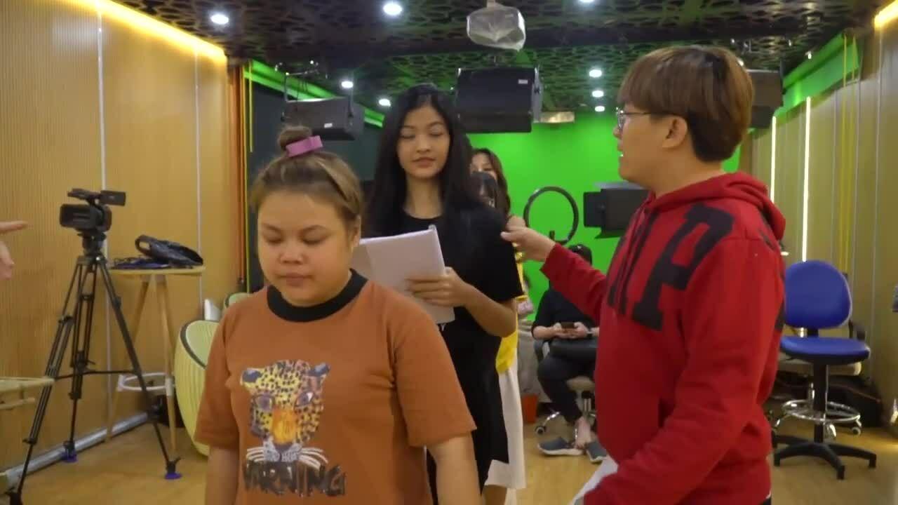 Kiều Loan đóng kịch 'Táo quân' miền Nam