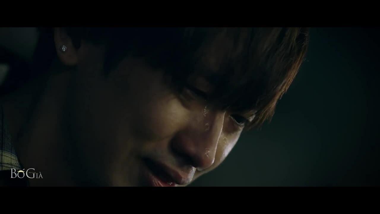 Diễn xuất của Tuấn Trần trong phim 'Bố già'