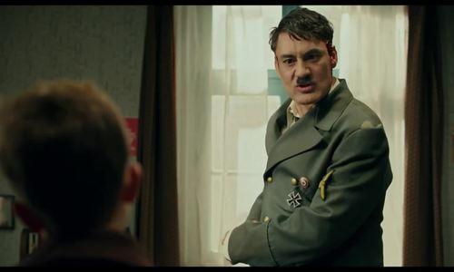 """Trang phục Hitler trong """"Jojo rabbit"""""""