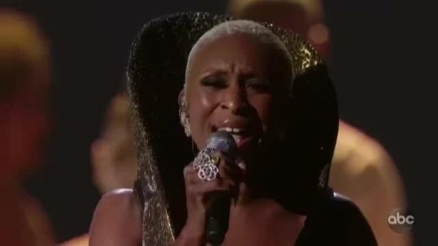 Cynthia Erivo hát ca khúc nhạc phim