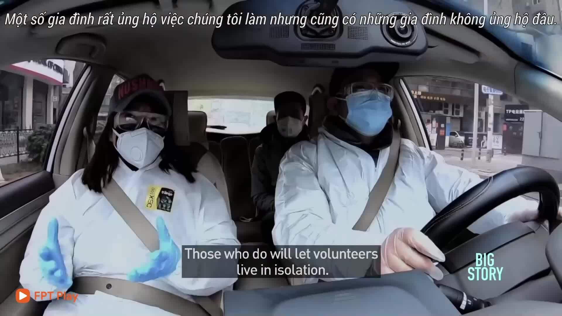 Trích đoạn phim tài liệu về tình nguyện viên ở Vũ Hán