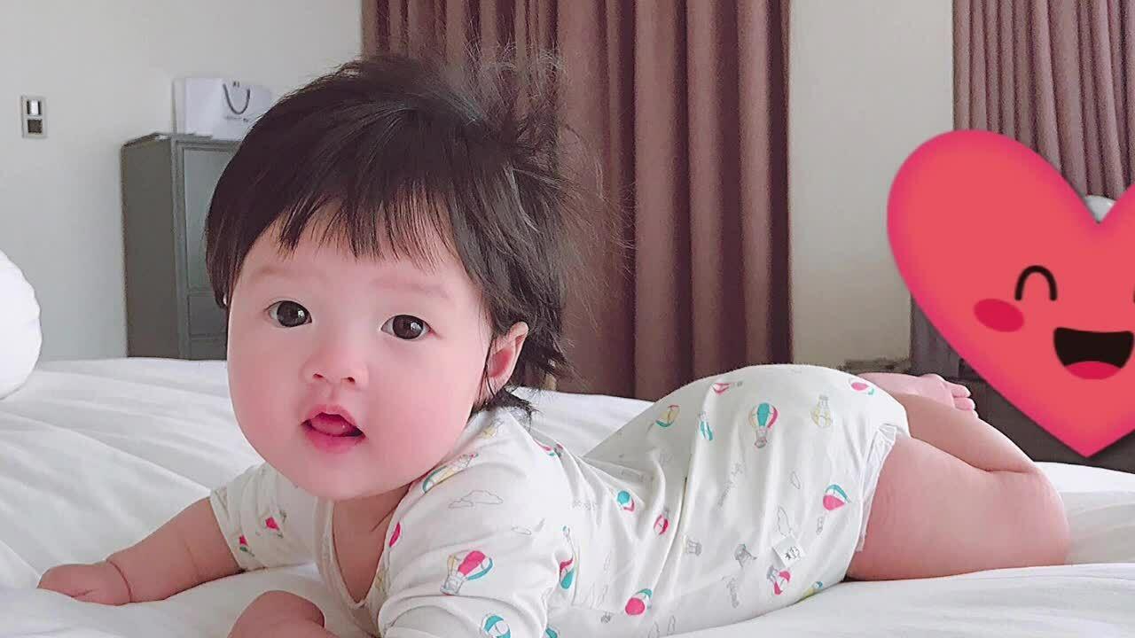 Con gái hai tuổi của Đặng Thu Thảo