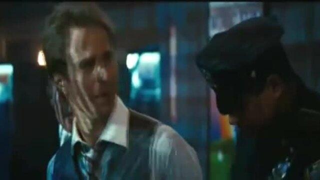 Keith Middlebrook trong vai cảnh sát Wilson (giây 12). Video: Disney.