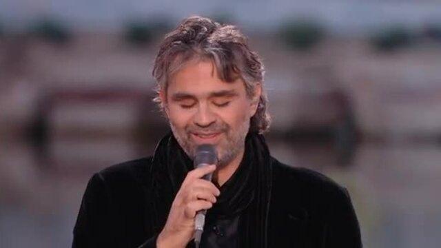 "Andrea Bocelli diễn live ""Besame Mucho"""