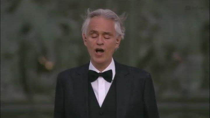 Danh ca Andrea Bocelli hát 'Amazing grace'