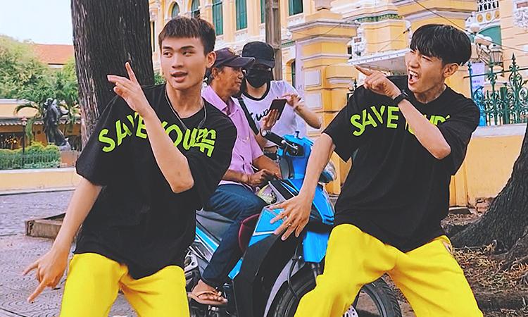 Quang Đăng nhảy kêu gọi bỏ thuốc lá