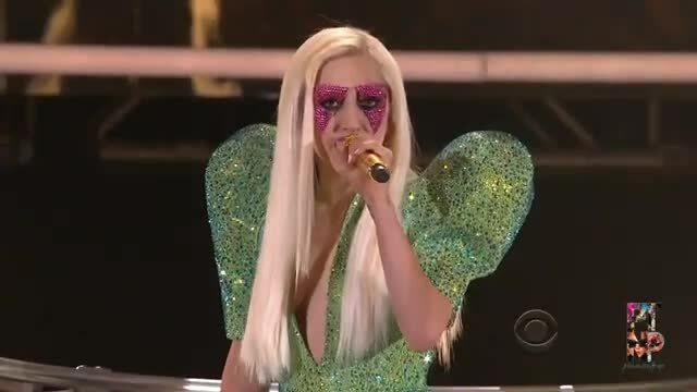 Phần trình diễn mở màn Grammy 2010 của Lady Gaga.