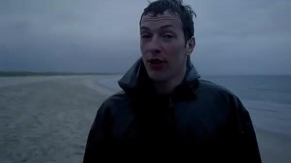 'Yellow' - bản hit đầu tay của Coldplay