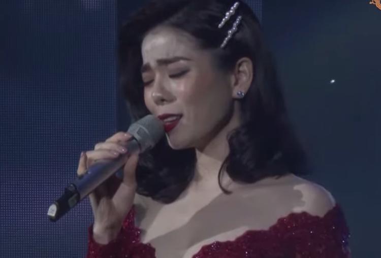 Lệ Quyên hát 'Nỗi nhớ mùa đông' (nhạc: Phú Quang, thơ: Thảo Phương) năm 2019