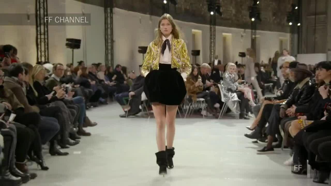 Áo khoác bolero trong show Alexandre Vauthier couture Xuân Hè 2019