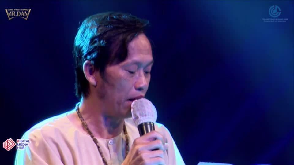 Bài thơ của Hoài Linh đấu giá 700 triệu đồng