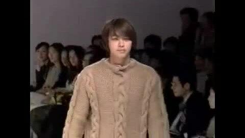 Kang Dong Won catwalk năm 2002