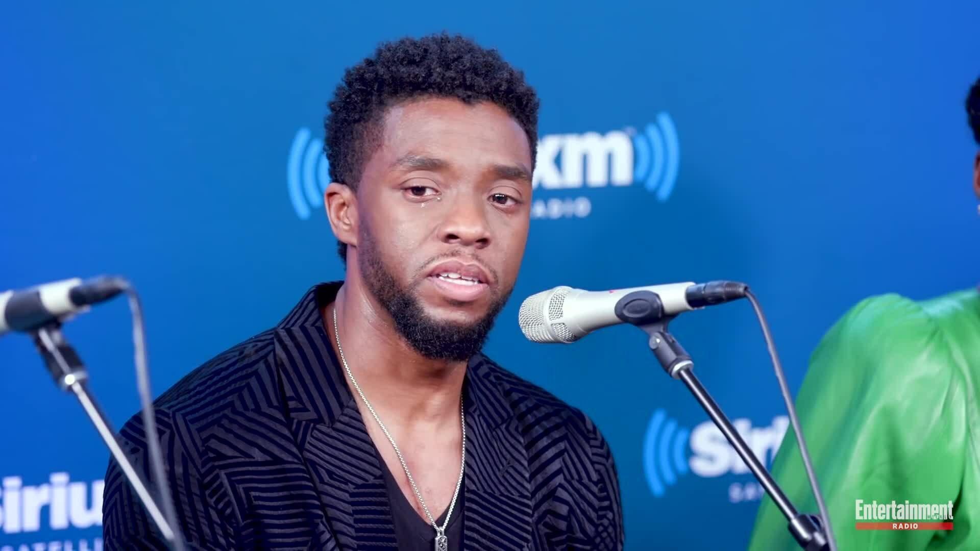 Chadwick Boseman khóc khi kể chuyện về fan nhí mắc ung thư