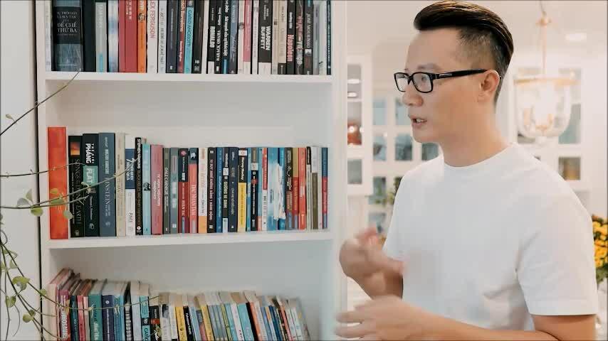 Hoàng Bách: 'Sách từng giúp tôi vượt qua trầm cảm'