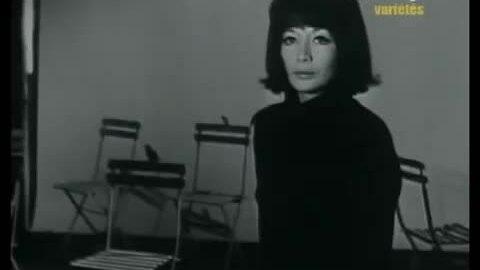 Juliette Grecon hát Sous le ciel de Paris