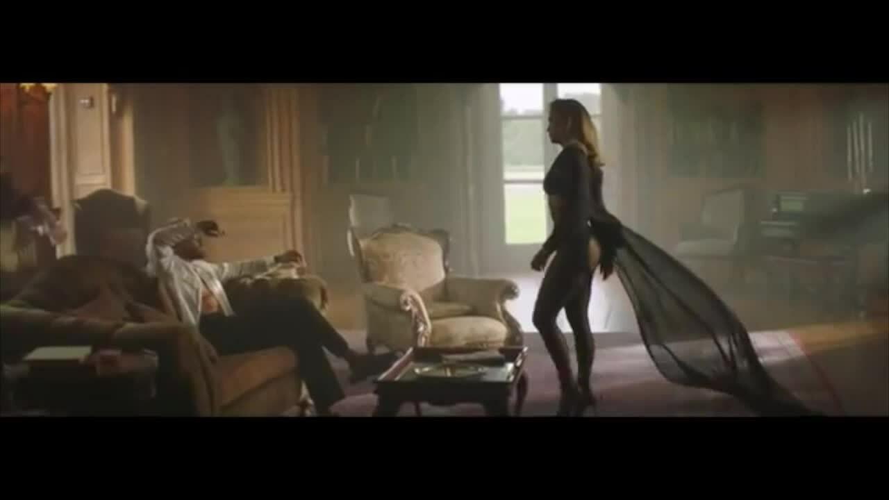 MV Pa Ti/Lonely c?a Jennifer Lopez