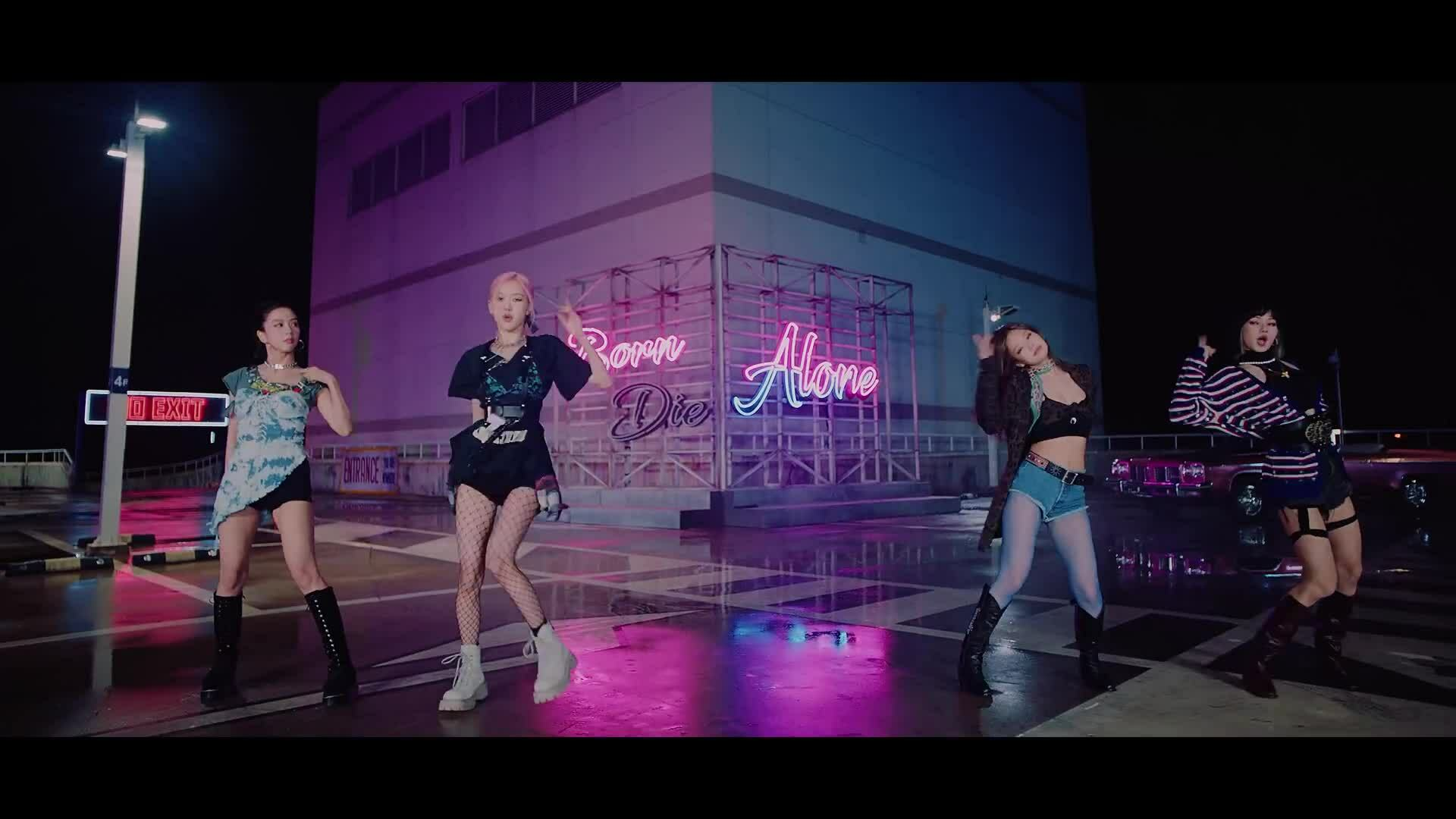 "MV ""Lovesick Girls"""