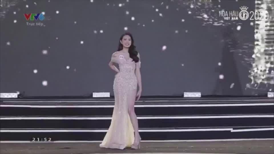 Thí sinh Hoa hậu Việt Nam diện váy dạ hội