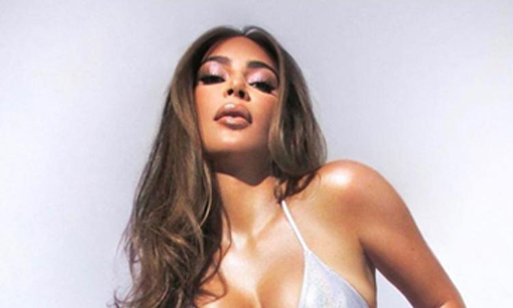 Kim Kardashian chụp ảnh sinh nhật tuổi 40