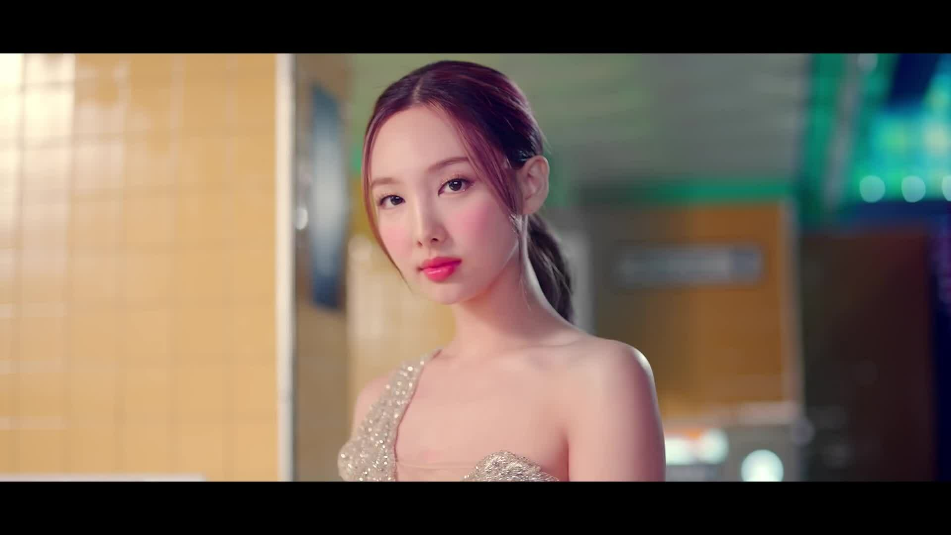 """MV """"I Can't Stop Me"""" của Twice"""