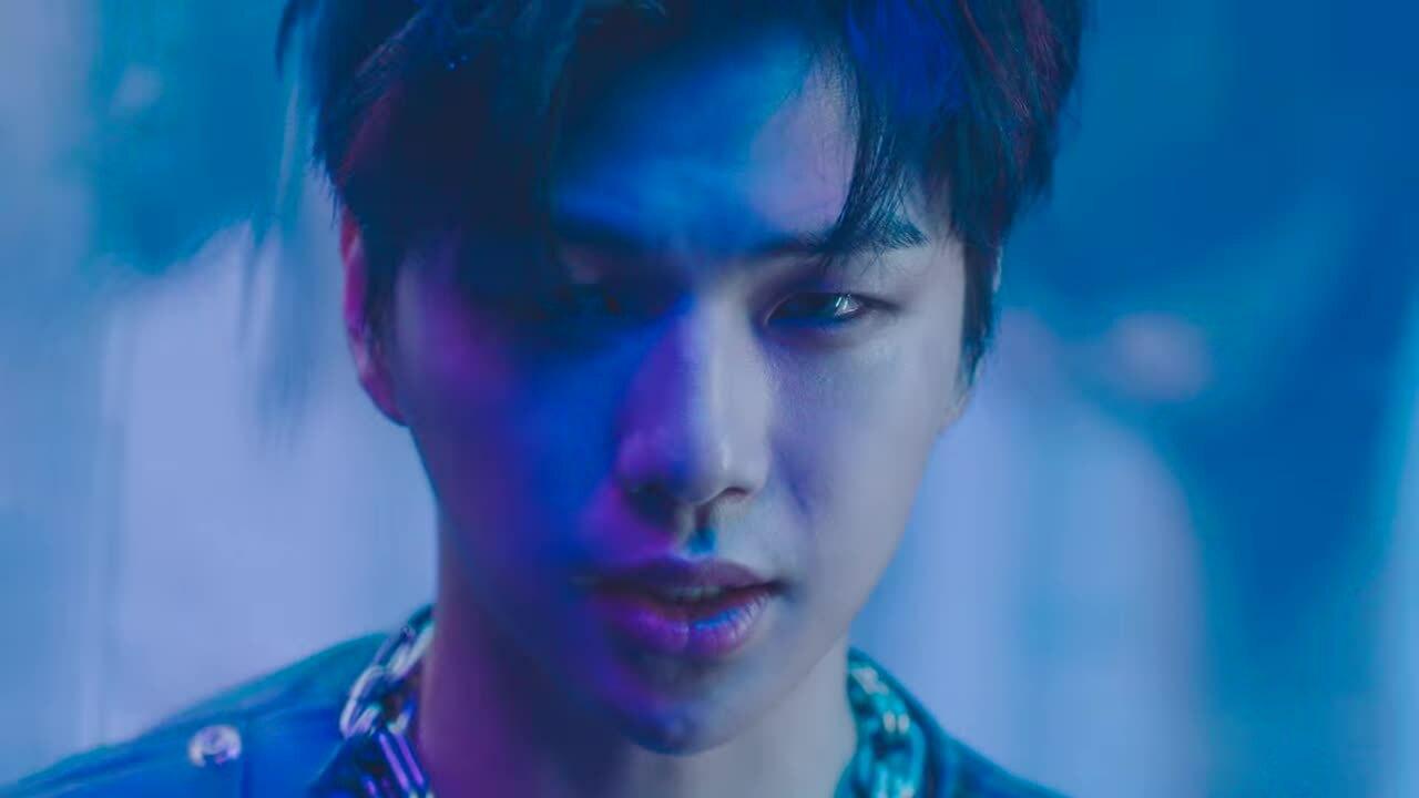 "MV ""Who U Are"" của Kang Daniel"