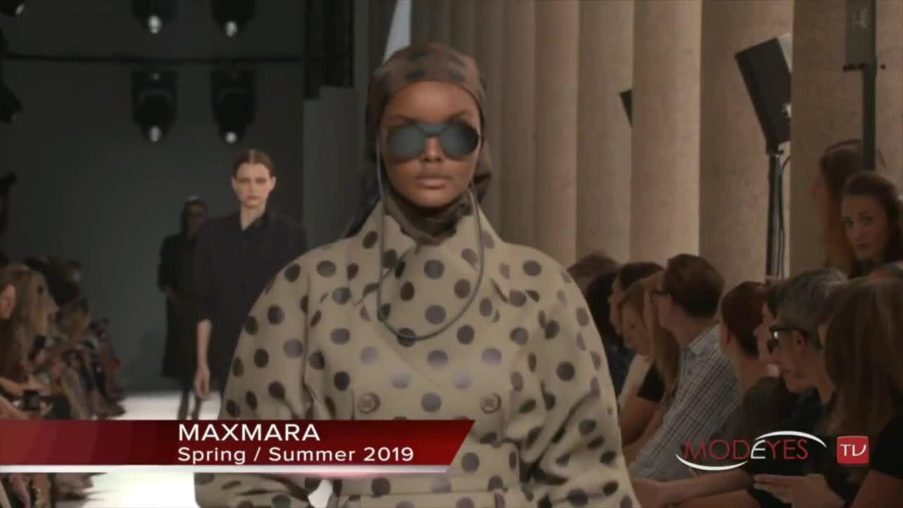 Khoảnh khắc catwalk của Halima Aden