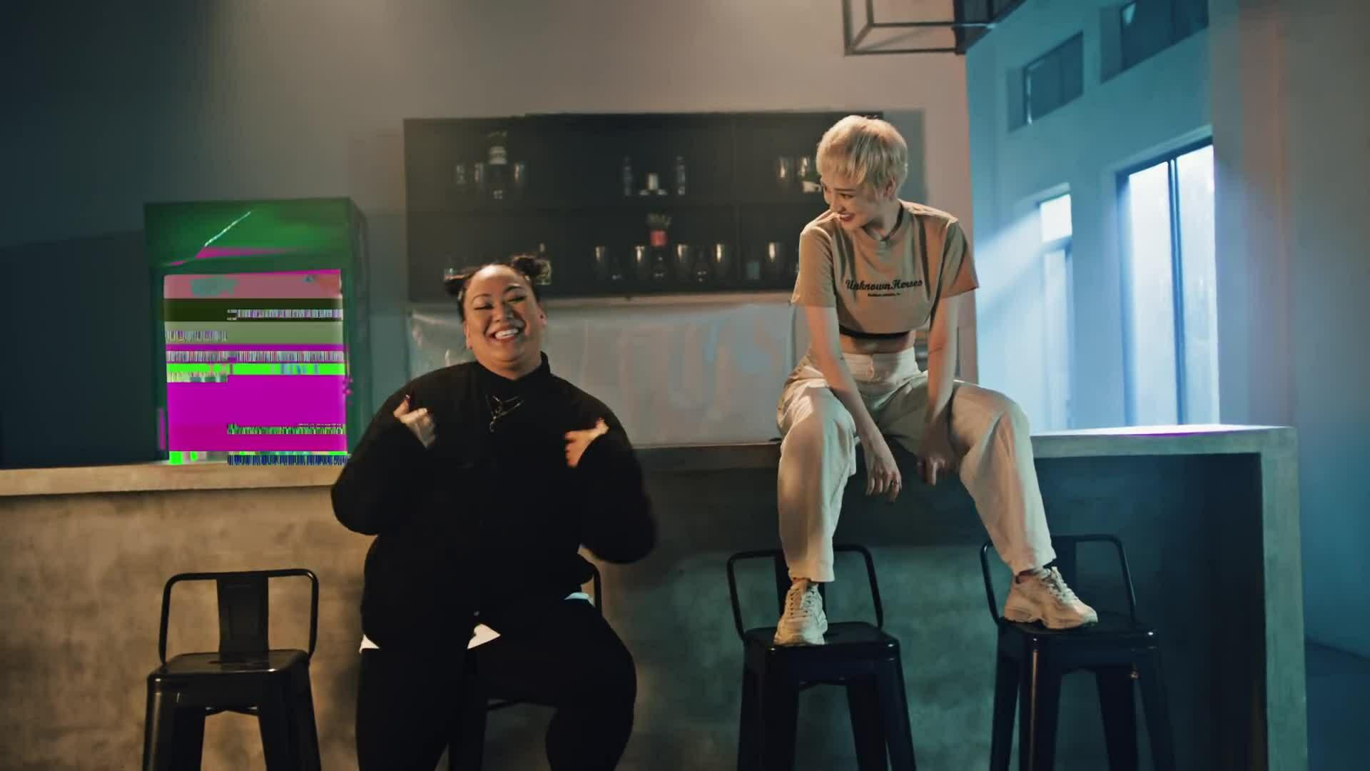 """MV """"Lười yêu"""" của Karma và Bảo Anh"""