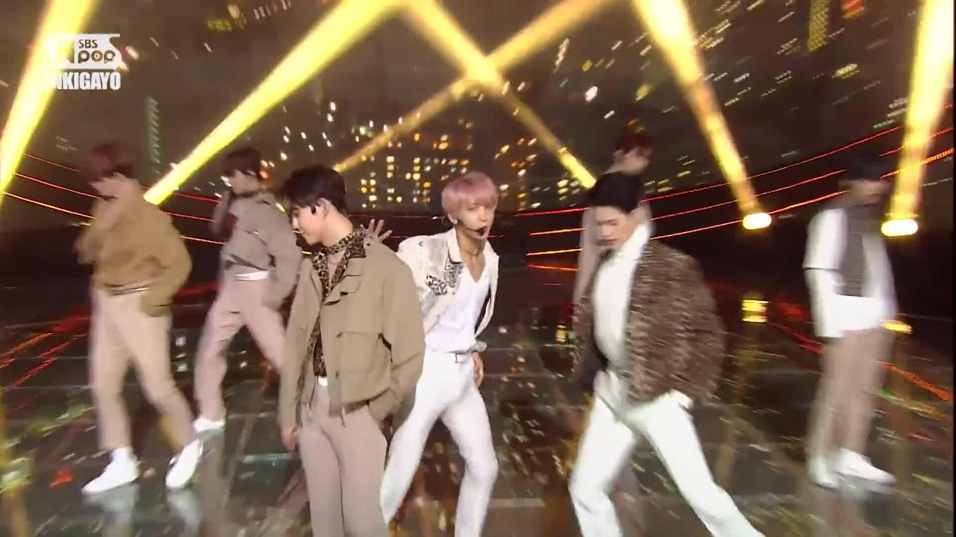 """UP10TION biểu diễn """"Destiny"""""""