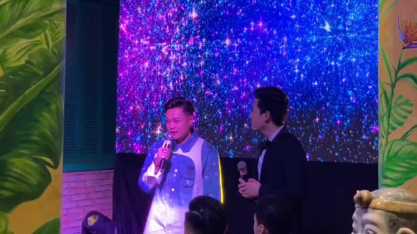 Quang Vinh khóc khi khi trở lại âm nhạc