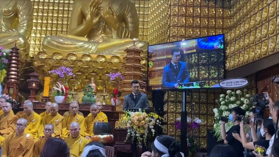 Ca sĩ hát tưởng niệm Lam Phương