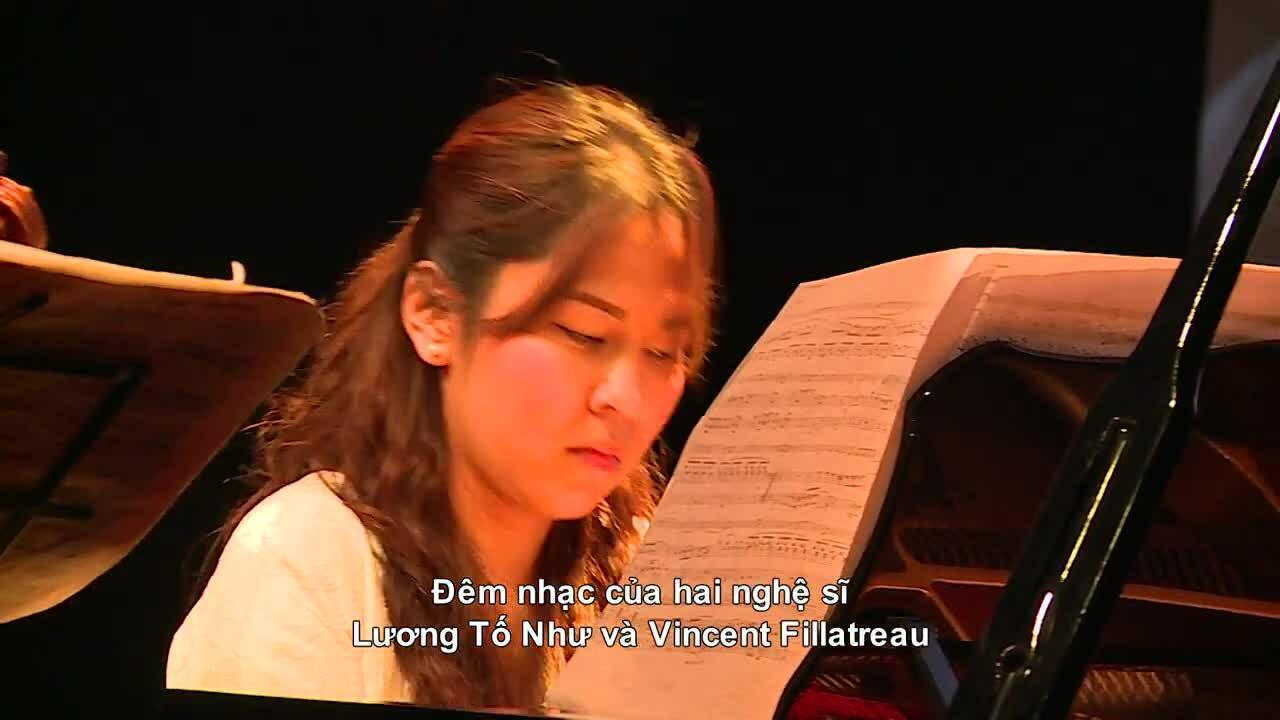 Lương Tố Như biểu diễn hòa nhạc