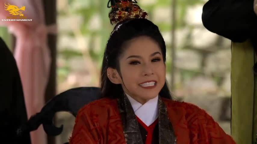 Bình Tinh làm phim cải lương 'Cô gái Đồ Long'