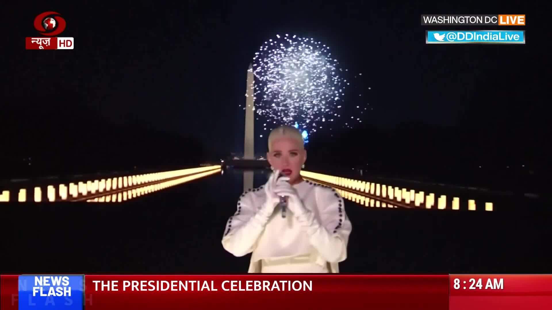 KAty Perry hát Firework