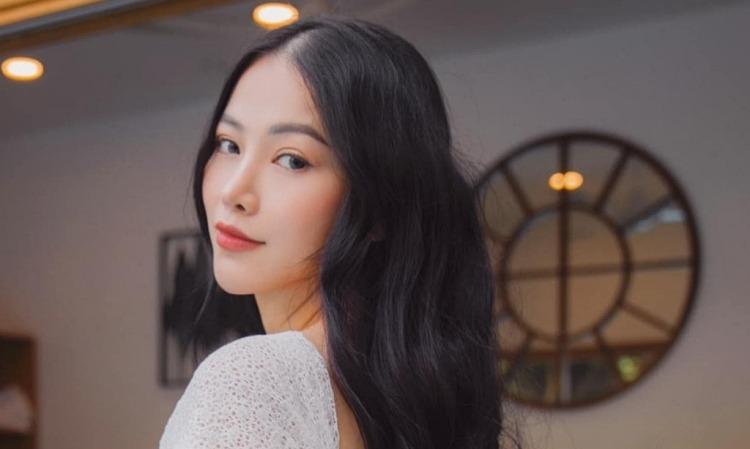 Hoa hậu Phương Khánh uốn tóc không dùng nhiệt