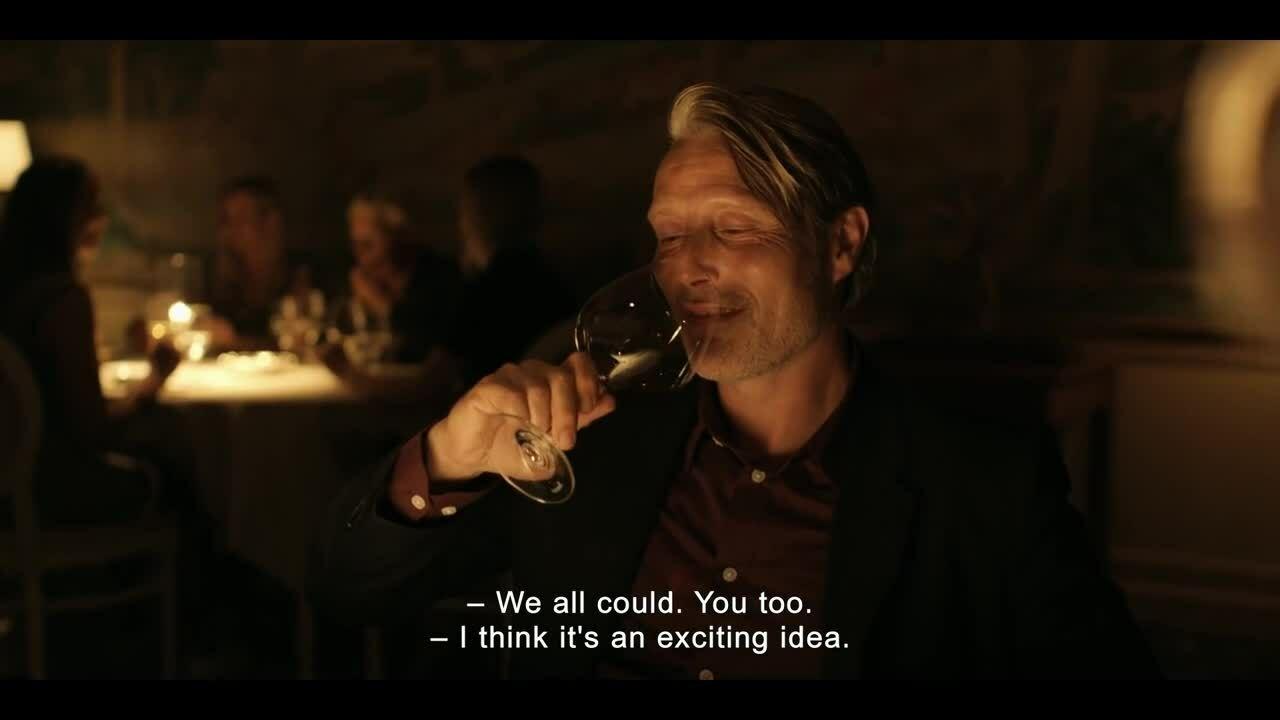 Mads Mikkelsen diễn xuất thần vai thầy giáo say