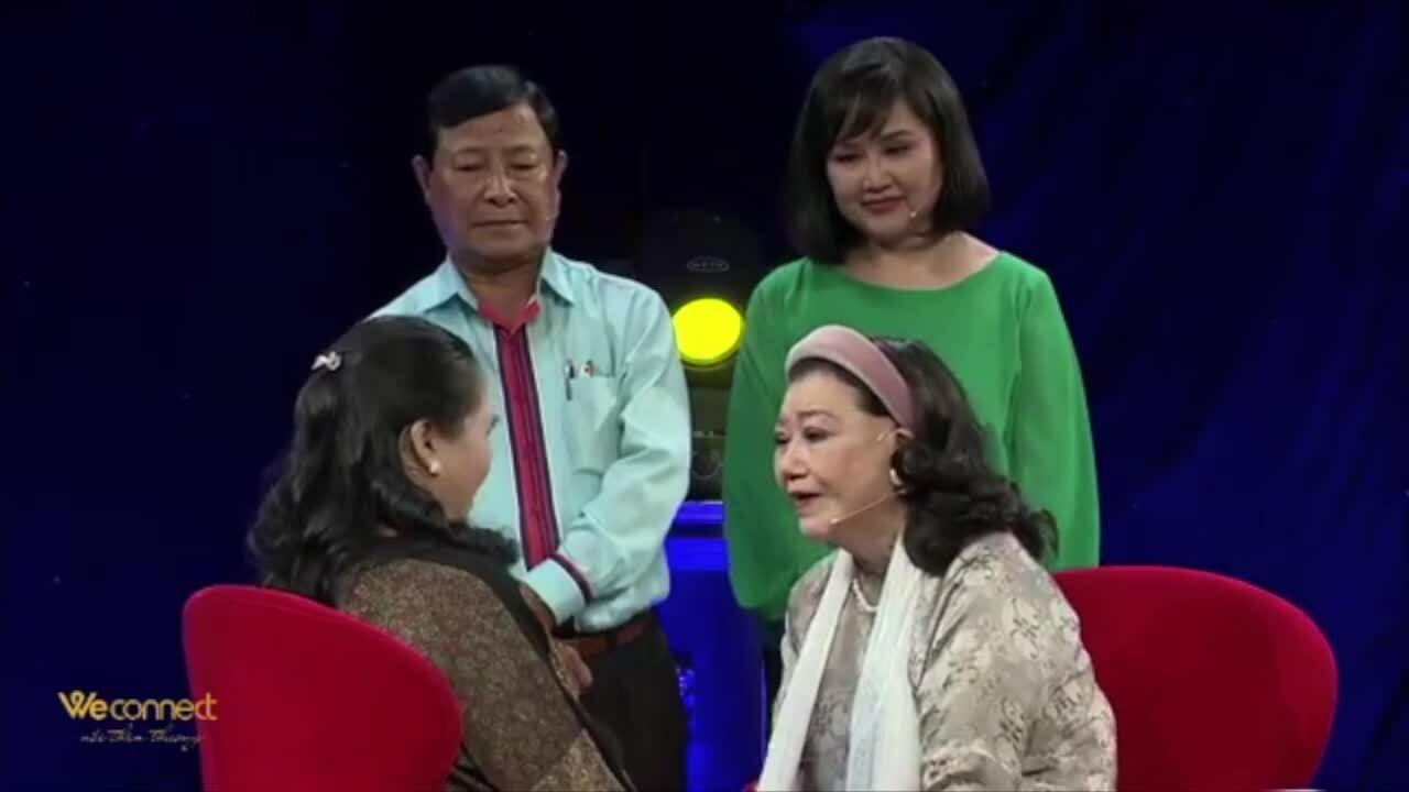 Nghệ sĩ Kim Cương khóc đoàn tụ con nuôi từng bị bắt cóc