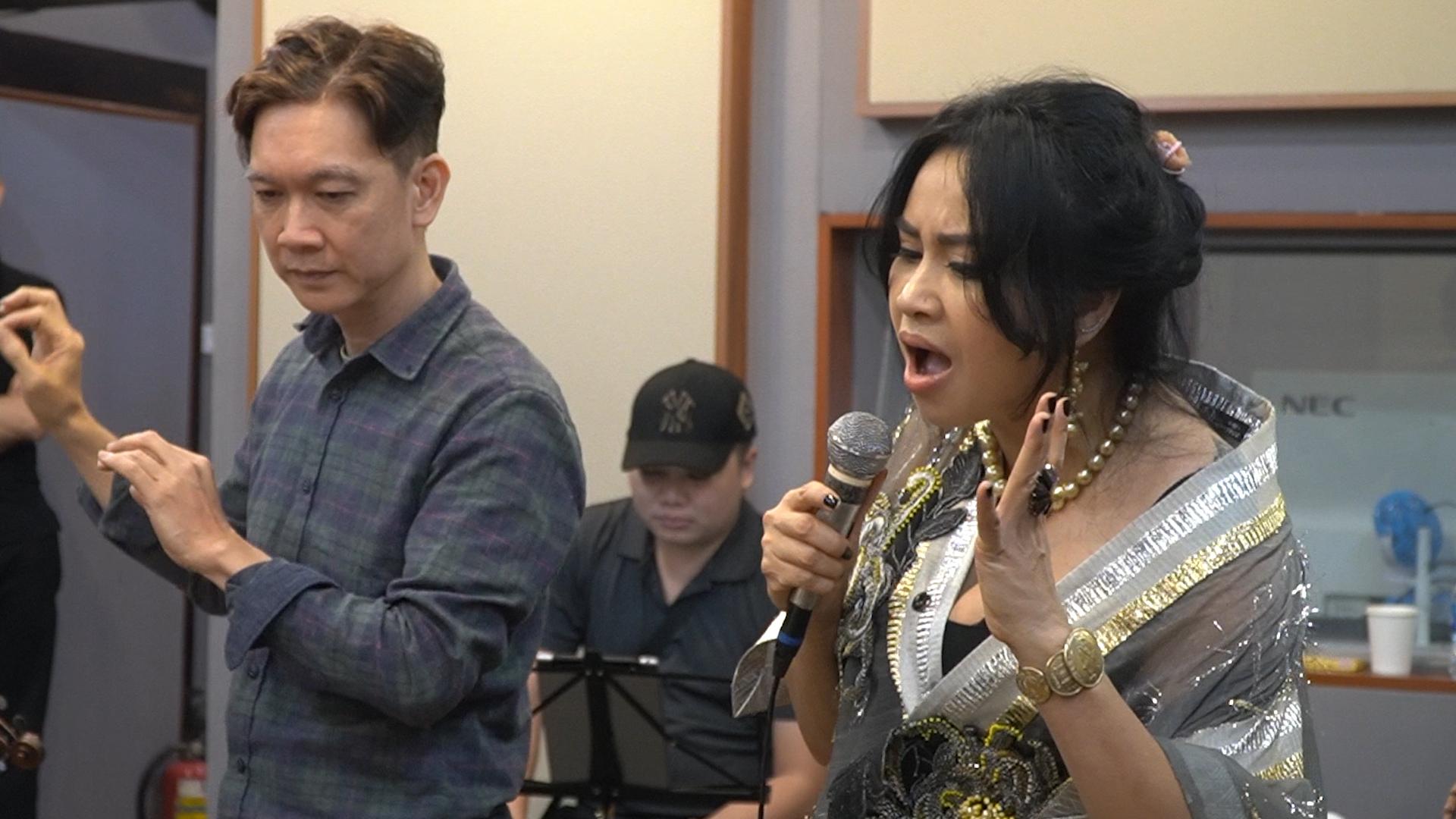 """Thanh Lam tập luyện trước đêm nhạc """"Hẹn yêu"""""""