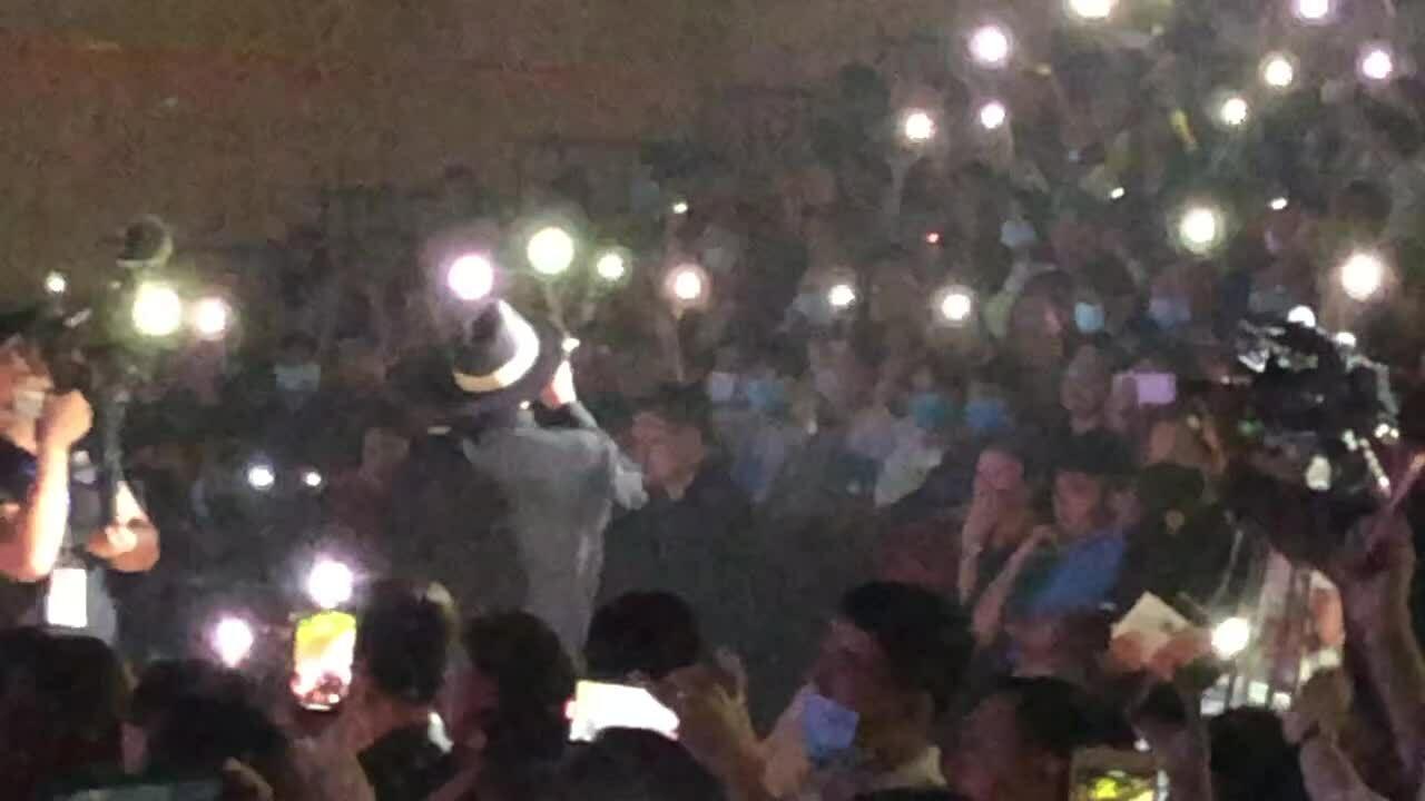 Hà Lê rap 'Ở trọ' trước 1.300 sinh viên