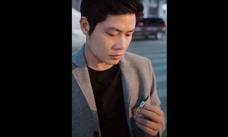 """Nhạc sĩ Nguyễn Văn Chung sáng tác """"Đừng buồn vì ly hôn"""""""