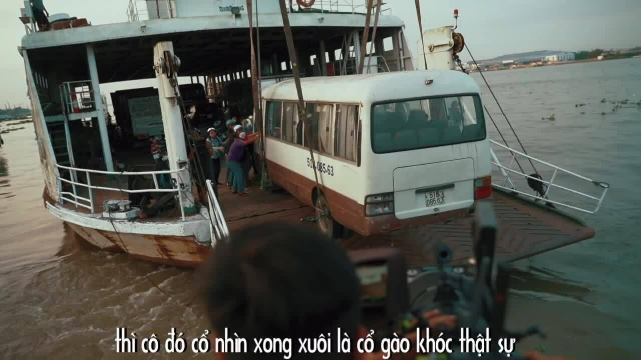 Lý Hải cho xe khách chìm xuống sông Hậu trong 'Lật mặt'