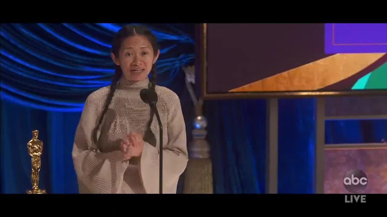 """Chloé Zhao thắng giải """"Đạo diễn xuất sắc"""""""