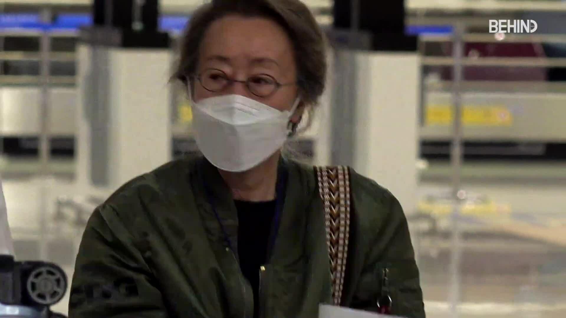 Youn Yuh Jung về nước sau thắng Oscar