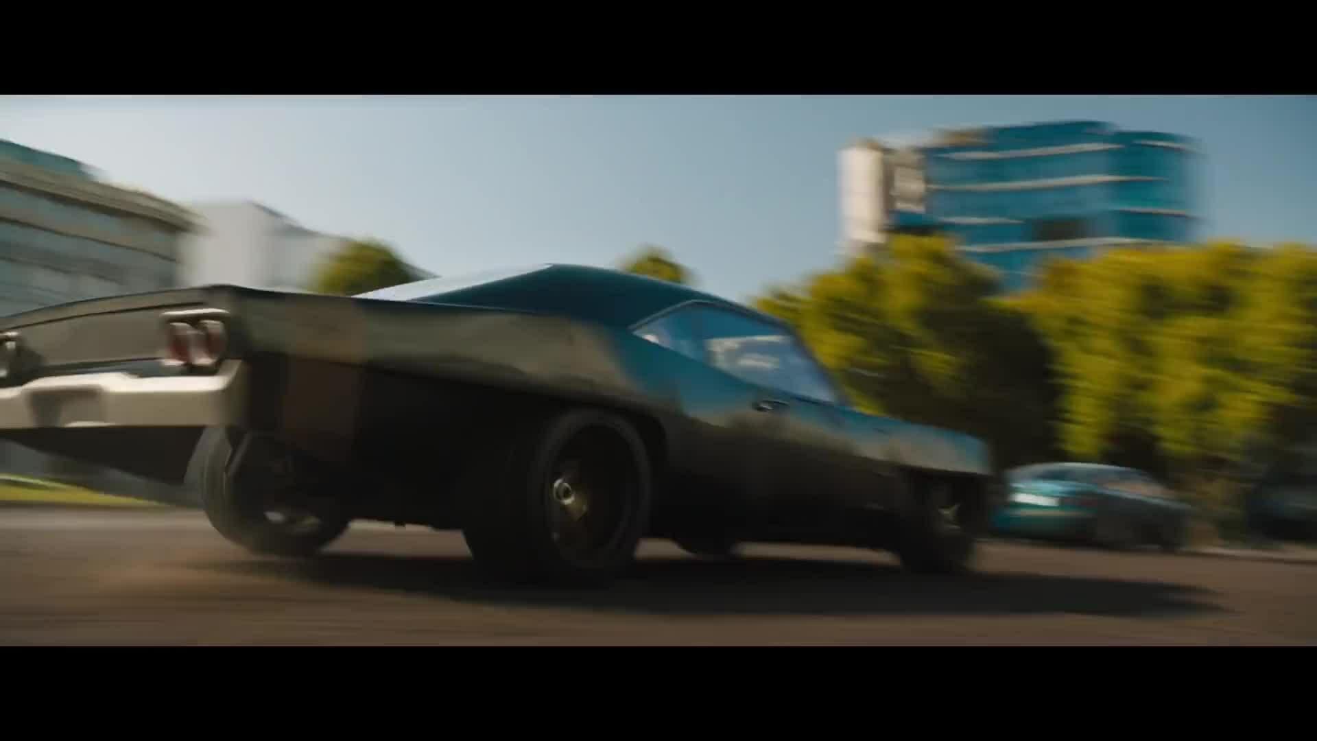 Ê-kíp 'Fast 9' phá hủy 200 ôtô