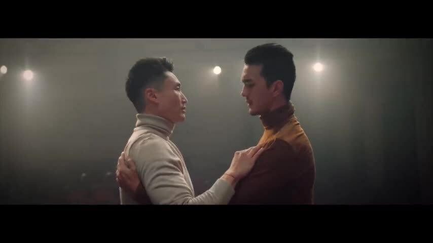 Hương Tràm ra MV về tình yêu đồng tính