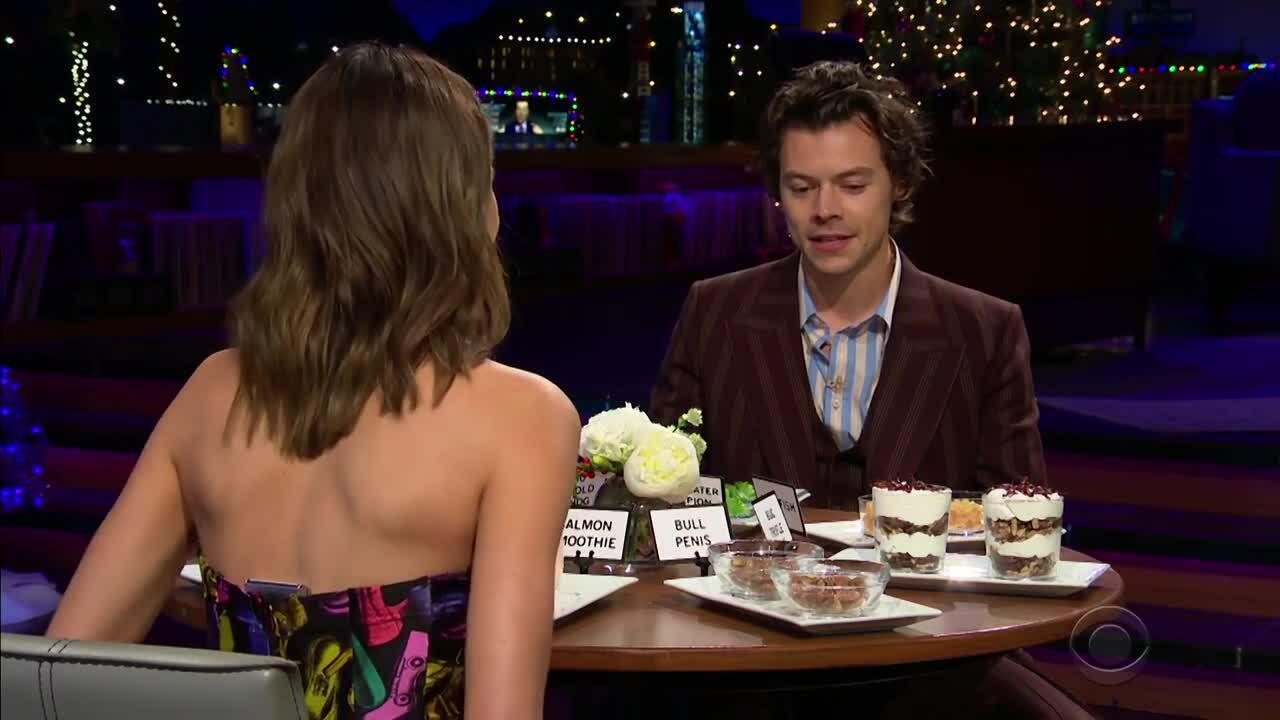 """Kendall Jenner và Harry Styles chơi """"Spill Your Guts"""" trên chương trình James Gorden"""