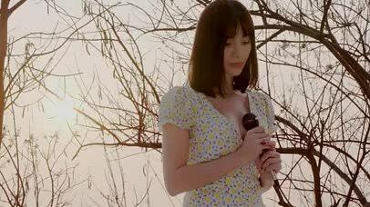 """Ngọc Kara hát """"Nhìn thế giới bằng đôi mắt anh"""""""