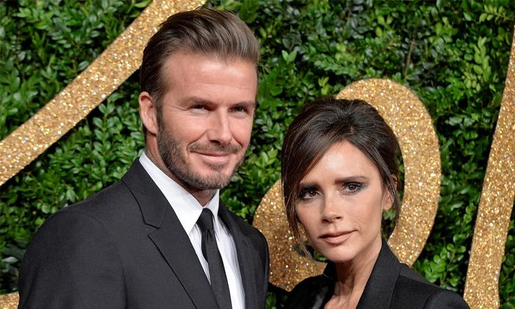 Victoria Beckham kỷ niệm 22 năm cưới David Beckham