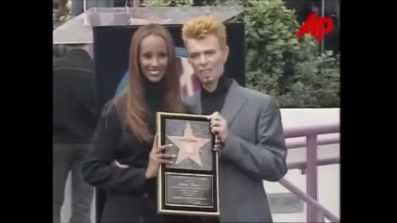 Khoảnh khắc Iman sánh đôi David Bowie