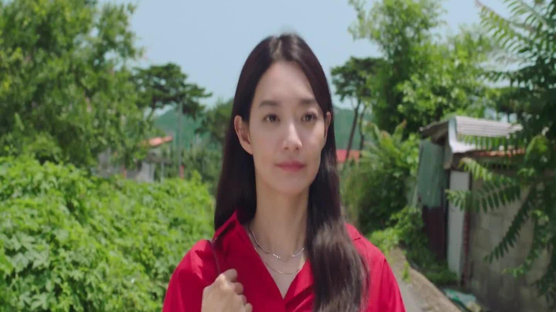 """Shin Min Ah trong tập 4  """"Điệu cha cha làng biển"""""""